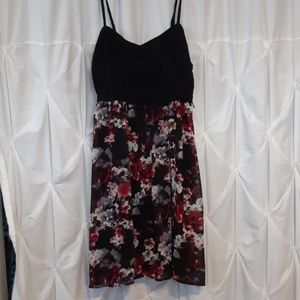 Lace floral spaghetti strap dress